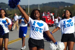 parade_cheerleaders