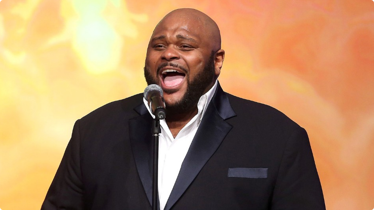 110113-shows-sta-performers-performs-Ruben-Studdard-1.jpg